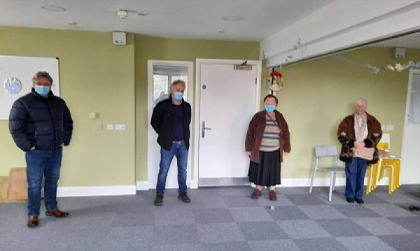 Irish elders on the wireless