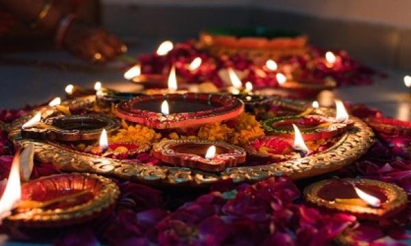 Diwali starts in Cricklewood